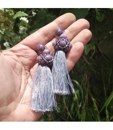 Kolczyki haftowane z chwostem