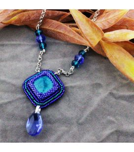 Naszyjnik z ceramicznym kaboszonem w kobaltowo-turkusowych barwach